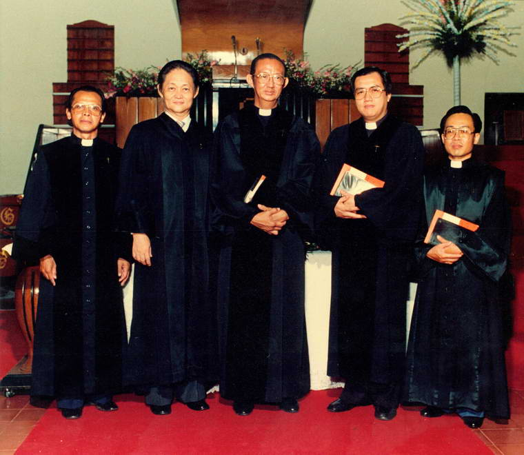 Peresmian GKI Beringin dan GKI Peterongan ( 6 Februari 1987 )